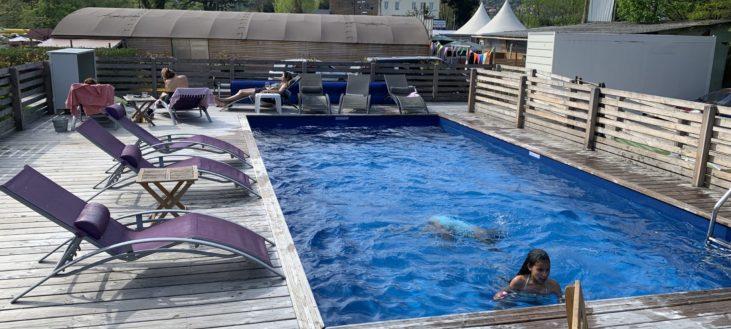 Une après-midi piscine au soleil